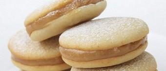 Alfajores (Dulce de Leche Cookie Sandwiches)