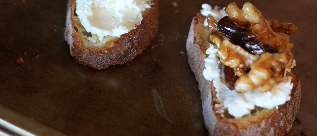 Dates and Toasted Walnut Crostini - COCTIONE