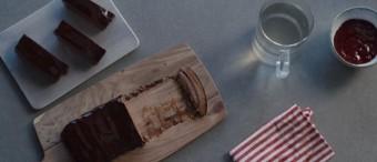 Pastel de chocolate con jalea