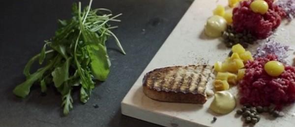Steak tartare mediterranean